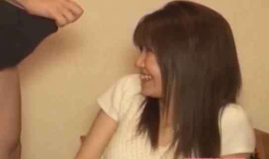 【CFNM】エロカワ美熟女にセンズリ鑑賞をお願いしたらフェラ抜きしてくれました!